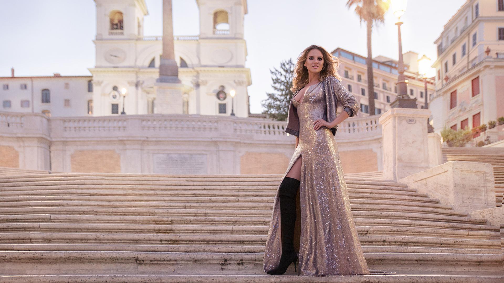 Sesja zdjęciowa w Rzymie we Włoszech na Schodach Hiszpańskich.
